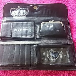 JUICY COUTURE 100% GENUINE LEATHER LARGE WALLET